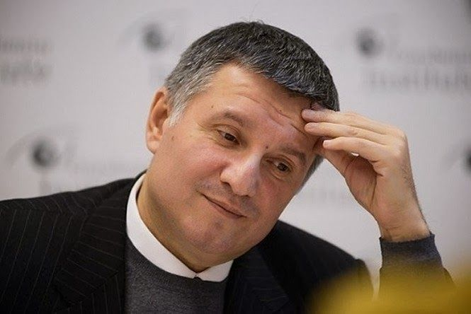 СМИ: глава МВД Украины не согласен с решением суда о запрете говорить на русском языке