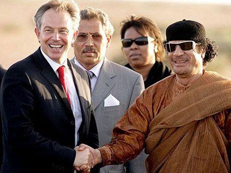 СМИ: Тони Блэр пытался спасти Каддафи