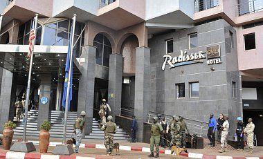 СМИ: нельзя исключать возможную связь терактов в Мали с ИГ