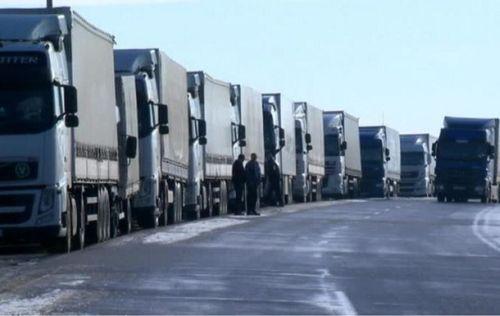 Минтранс: проблем с перемещением грузовиков между Россией и Украиной нет