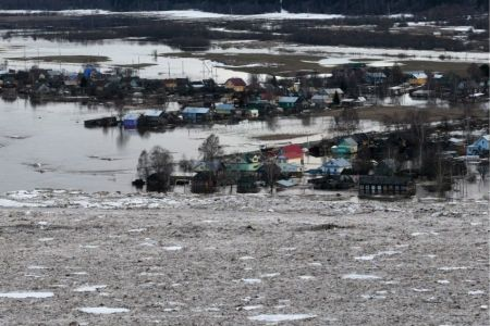 МЧС: ледовый затор в Вологодской области частично разрушен