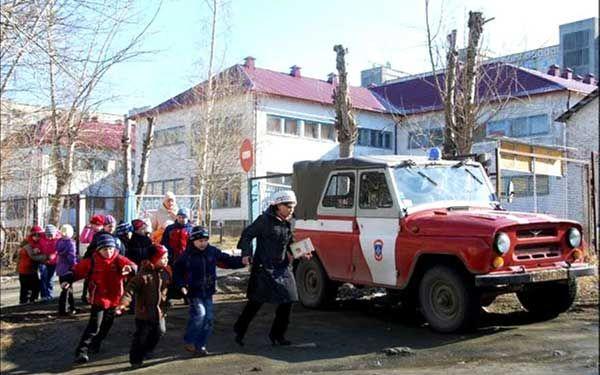 В Петрозаводске коллектор пригрозил взорвать детский сад за долги сотрудницы