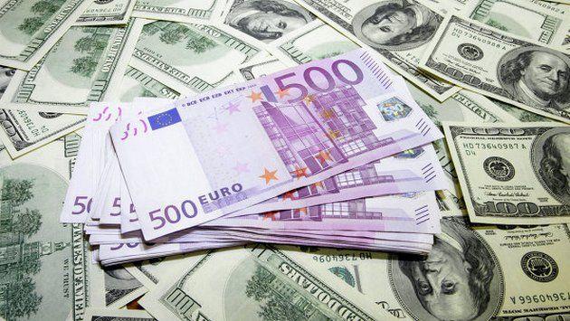 Россияне сократили валютные вклады