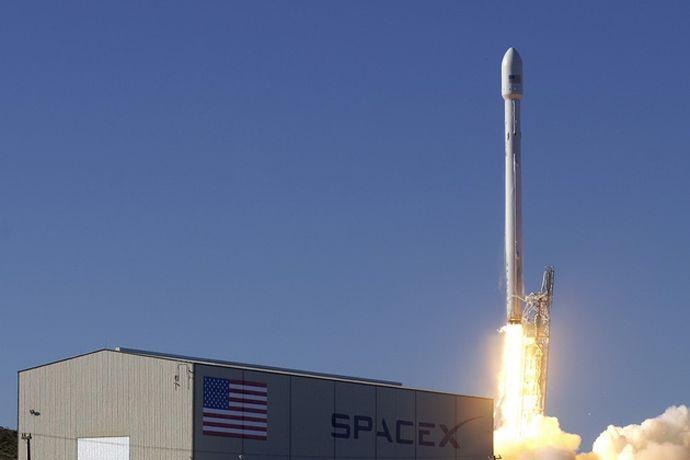 SpaceX повторно использует посаженную накануне ступень ракеты в мае-июне
