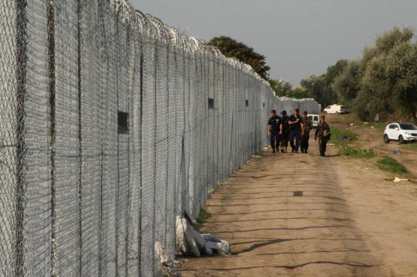 Италия осудила Австрию за строительство заграждений на границе