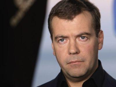 Медведев: Государствам-членам ШОС необходимо развивать транзитный потенциал