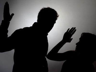 Госдума рассмотрела закон о насилии в семье