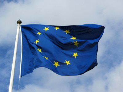 The European Union continues to be a net investor in the world