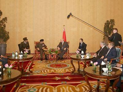 Александр Лукашенко обсудил вопросы развития сотрудничества с Министром обороны Египта