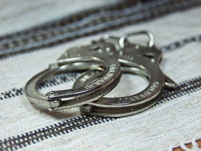 В Омске задержана школьница, подозреваемая в сбыте наркотиков