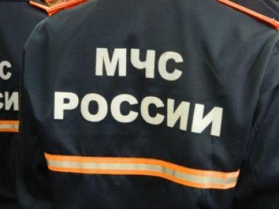 МЧС РФ ликвидирует последствия обрушения крыши в жилом доме