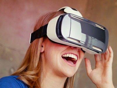 Московских учителей обучат использованию очков виртуальной реальности на уроках