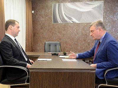 Дмитрий Медведев провёл переговоры с Игорем Васильевым