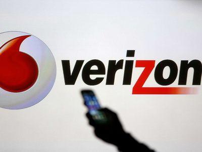 Verizon completes purchase of XO Communications' fiber business
