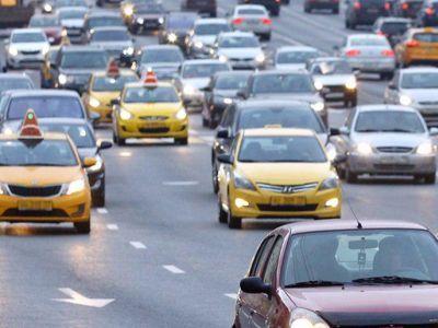 За 3 года такси в Москве подешевело в среднем на 30%