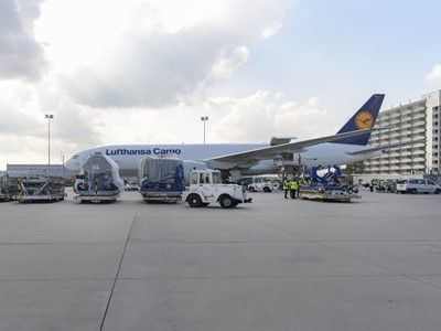 Spectacular show for Lufthansa's new A350-900