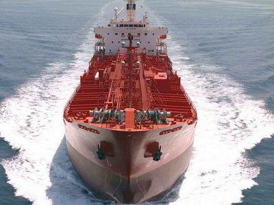 Iranian fleet sails back to the west of Suez market