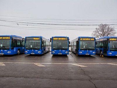 В Москве автобусы частных перевозчиков украсят к 9 Мая флагами и георгиевскими лентами