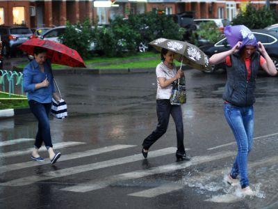 """В Подмосковье на 7 августа из-за грозы объявили """"жёлтый"""" уровень опасности"""
