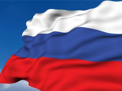 Медведев поздравил россиян с Днём Государственного флага