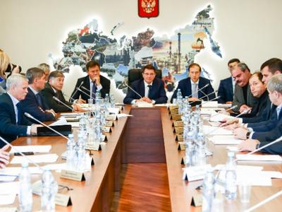 Денис Мантуров: За 9 месяцев индекс промпроизводства увеличился на 1%
