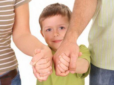 Правительство упростило порядок подачи документов для усыновления