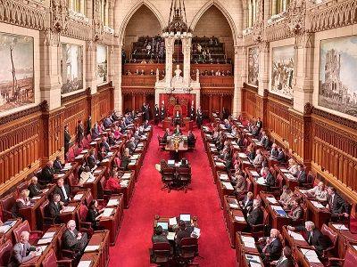 В Канаде узаконили оборот и потребление марихуаны