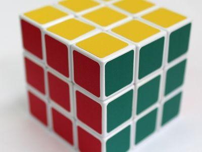 Искусственный интеллект самостоятельно освоил кубик Рубика