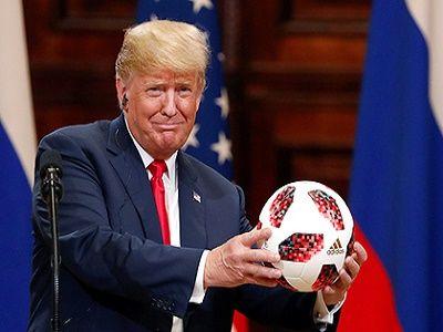 Мяч, подаренный Путиным Трампу, проходит тщательные проверки