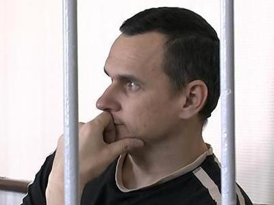 Путин и Макрон обсудили ситуацию с голодовкой Сенцова