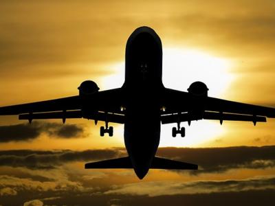 Угнанный из аэропорта Сиэтла самолёт разбился в США