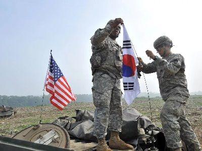 США и Южная Корея приостановили военные учения