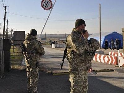 Украинские силовики 18 раз за сутки нарушили перемирие, заявили в ДНР