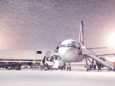 More Than 40 Flights Cancelled and Delayed In Moscow 's Airports