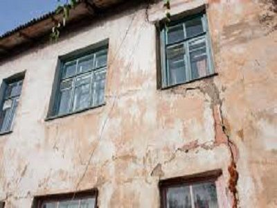 В Хабаровске обрушился жилой дом