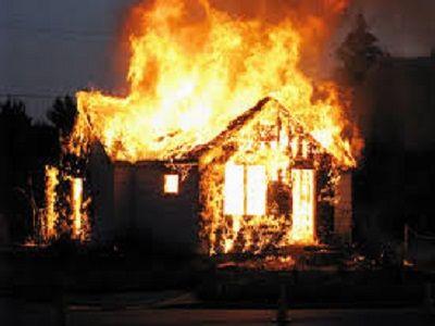 В охотничьем домике в Якутии сгорели  четыре человека