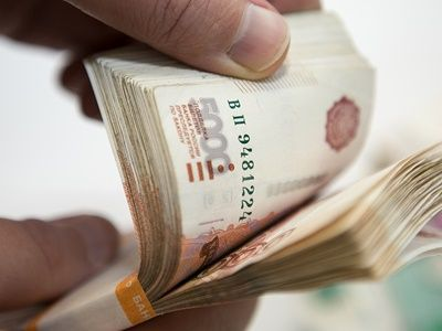 Только 3% россиян верят в достоверность деклараций чиновников о доходах