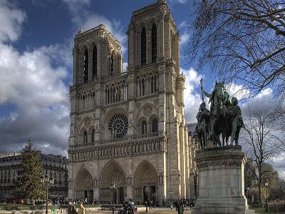 Французские парламентарии приняли закон о восстановлении Нотр-Дама