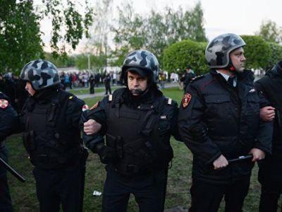 В Екатеринбурге задержали 21 участника акций протеста против постройки храма на месте сквера