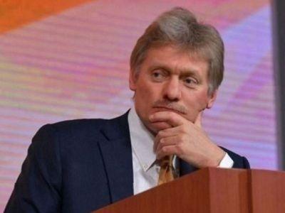 Песков назвал референдум об отношениях с Россией внутренним делом Украины