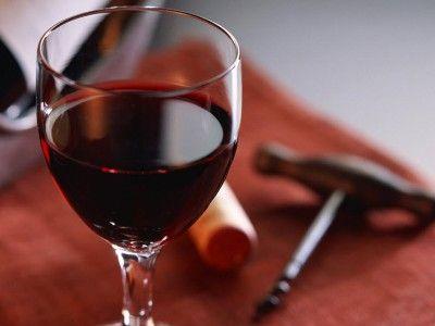 Роскачество поставило эксперимент по сравнению российских и импортных вин