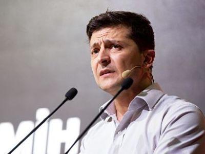 На сайте президента Украины зарегистрирована петиция против петиции об отставке Зеленского