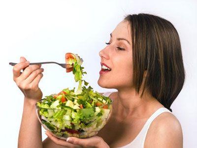 Диетологи поделились методиками сезонного контроля аппетита