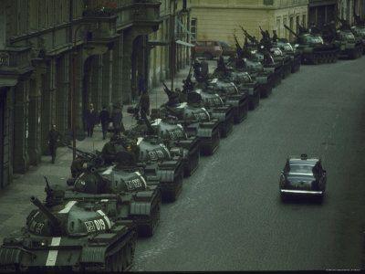 День вторжения в Чехословакию войск в 1968 году хотят объявить памятным днём