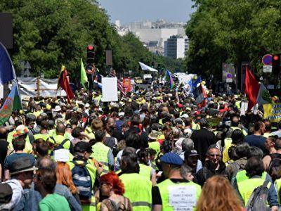 Во Франции прошла очередная акция «желтых жилетов»
