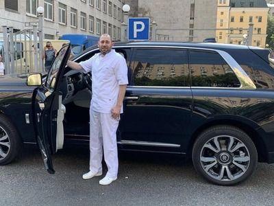 Семён Слепаков подвергся критике за шутку про зарплаты врачей