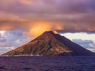 На Курилах после почти столетнего перерыва пробудился вулкан
