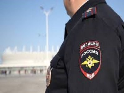 Полицейский открыл стрельбу в Курске, когда дети попали мячом в его машину