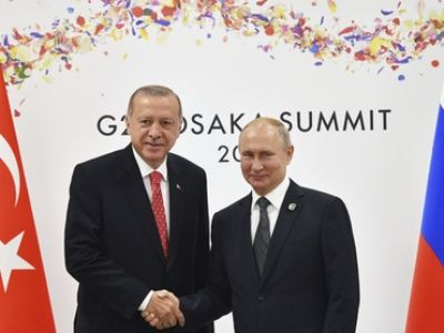Путин и Эрдоган обменялись мнениями о поставках российских комплексов С-400 в Турцию