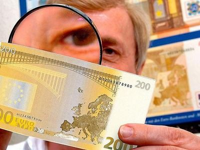 Russians Began to Fake the Euro More Often